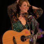 singer-songwriter-münchen-ama-pola
