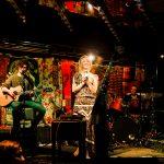 ama-pola-am-mikrofon-band-live